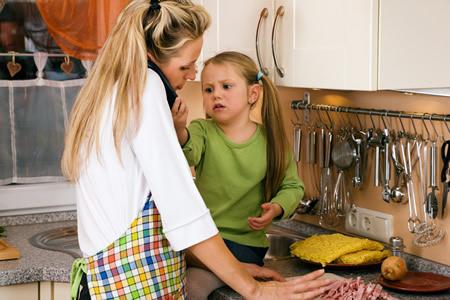 Drohender Burnout Mutter mit Kind im Stress